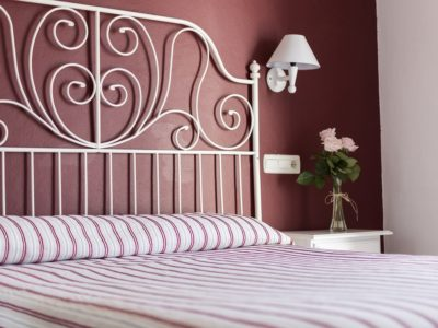 Habitación estándar cama matrimonio - hostal mena - nerja